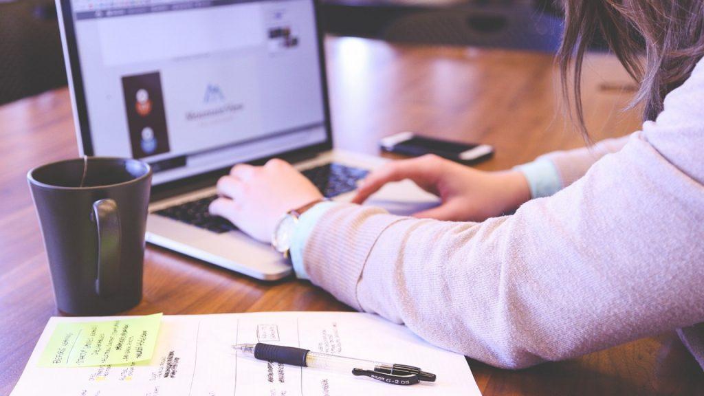 Quelles sont les expertises d'une agence spécialisée dans les stratégies digitales ?